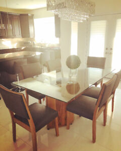 6 seater glass dinning table for sale