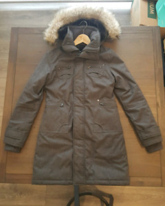 Excellent Used Condition Grey Aritzia TNA Winter Coat size XS