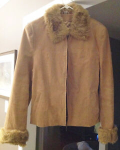 BEIGE SUEDE COAT WITH FUR TRIM