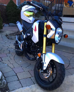 2015 GROM BRAND NEW WITH ACCESORIES