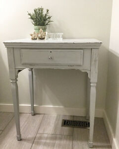 Soft grey sewing table
