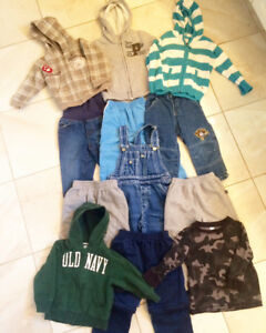 All fits size 12-24 months/2T boys clothing. Pu in Dieppe.