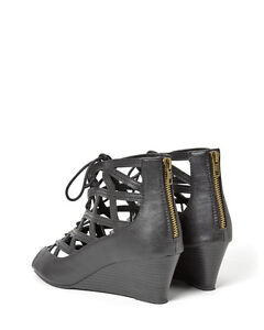 Women's wide width lace-up wedges, size 10W Kitchener / Waterloo Kitchener Area image 2