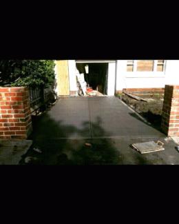 Concrete driveway specialist