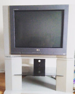 LG TV + TV TABLE *Must go today*