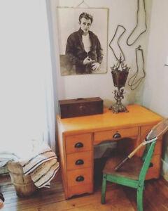 Petit bureau de travail, orange