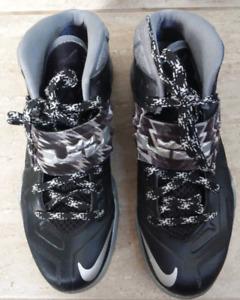 Basketball shoes Nike Lebron size US 7