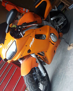 MINT YAMAHA R6 PACKAGE DEAL