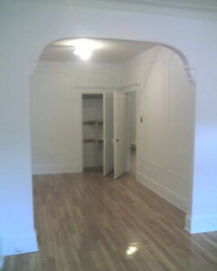 2br - SPACIOUS 4½ with 2 balconnys IN THE HEART OF THE PLATEAU