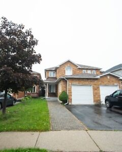 GORGEOUS SEMI-DETACHED 3BED3BATH MISSISSAUGA HOME FOR RENT