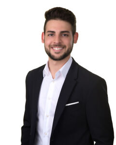 BUY/SELL/RENT-TRUSTED, KNOWLEDGEABLE AND COMMITTED LOCAL REALTOR