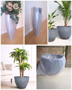2 Floor vase and 2 New grey fiberglass planters
