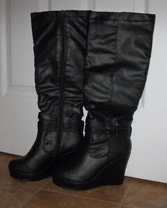 AUTUMN AND SPRING BRAND NEW BLACK WOMEN BOOTS !