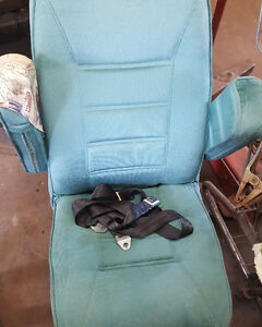 captains chairs * hardly used*