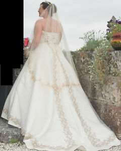 Couture wedding dress 14