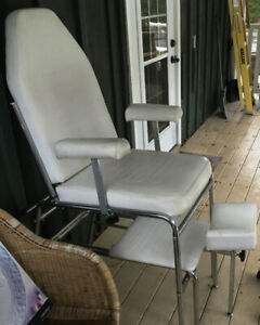Pedicure Chair w/Reclining Back and Adjustable Foot Rest