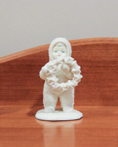 Snowbabies Angel Holding Star Wreath retired collectible