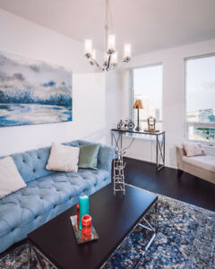 Stunning Square one 1bed+den 2 washroom condo - Fully Furnished