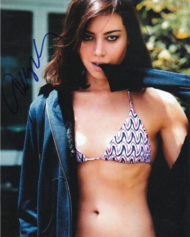 AUBREY PLAZA.. Bikini Clad Cutie - SIGNED