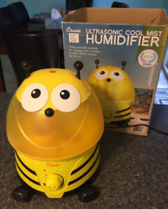 Bumble Bee Crane Humidifier
