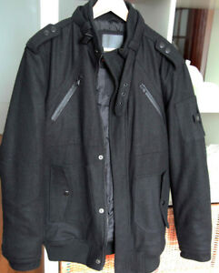 NEUF - Manteau noir / NEW with Tags  Black Jacket (L)