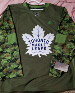 Toronto Maple Leafs Camo Jersey WITH TAGS