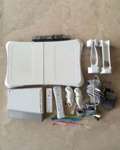 Wii console,  with wii fit, 3 controllers,  7 games, gun, hoc Kitchener / Waterloo Kitchener Area image 1