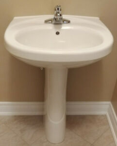 PEDESTAL WITH FAUCET