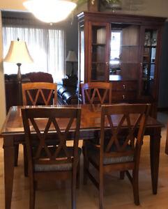 Set de cuisine table, rallonge, vaisselier et 6 chaises