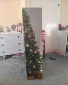 Christmas tree 6ft pre lit with x3 tinsel