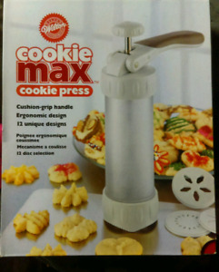 Wilton COOKIE MAX COOKIE PRESS $50