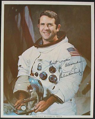 s962) Raumfahrt Richard Truly Space Shuttle STS 2 + STS 8  NASA Photo Autogramm