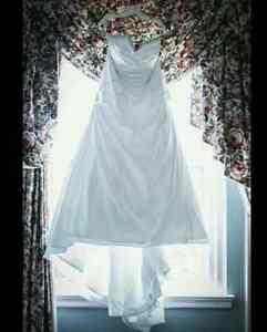 Venus Wedding Dress size 24
