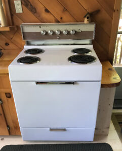 """Electric Stove - 30"""" Canadian Made McClary Easy! $150"""