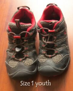 ***Boy's Shoes Size 1 Youth for sale