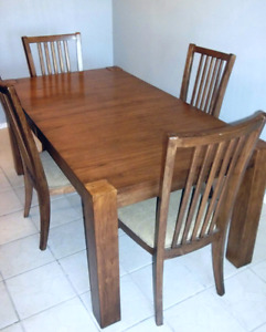 Table moderne & 4 chaises