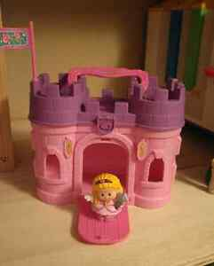 Take and play princess castle