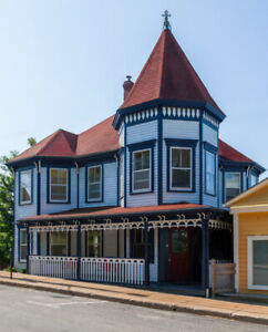 Grand 2 bedroom heritage harbour view home located in Lunenburg