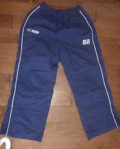 Jackets, hoodies, Dakota, fleece vests, Nike men's L ($ 5, $ 10) Kitchener / Waterloo Kitchener Area image 8