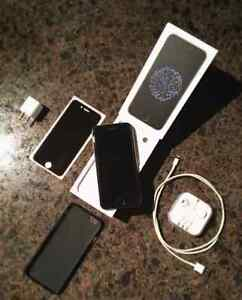 Apple iPhone 6  Entire Package - Priced to Sell