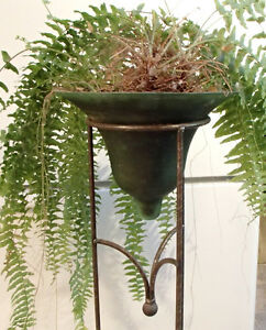 Art deco planter & stand - (works well for a fern)