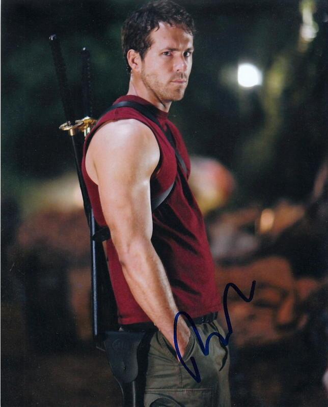 RYAN REYNOLDS.. X-Men Origins: Wolverine - SIGNED