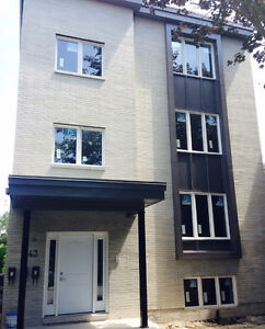 3 & 5 Bedroom Triplex units - University of Ottawa and Downtown