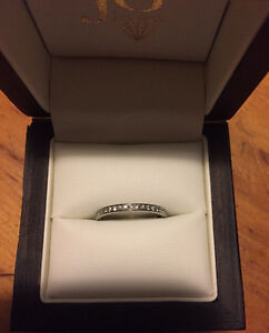 Wedding band Size 6