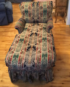 Lounge chair for sale/ Chaise longue à vendre