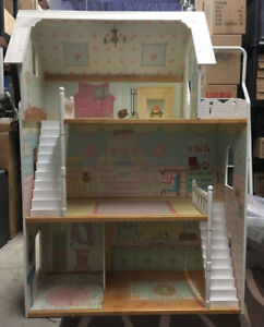 Kidcraft Dollhouse - in good shape!