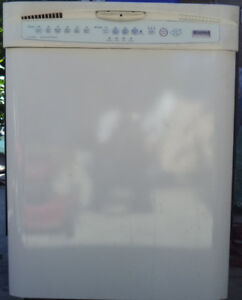 KENMORE STAINLESS STEEL DISHWASHER FOR SALE! $100.00