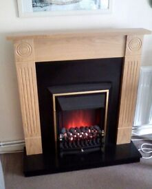 Comet Electric Fire - Realistic Coal-Effect with Wooden Mantelpiece