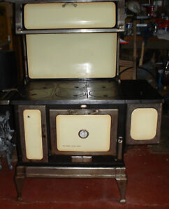 (Antique) Circa - 1918 Record Oakland Wood Cook Stove, NEW PRICE