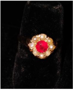 Ladies 14k Gold ring, natural Garnet